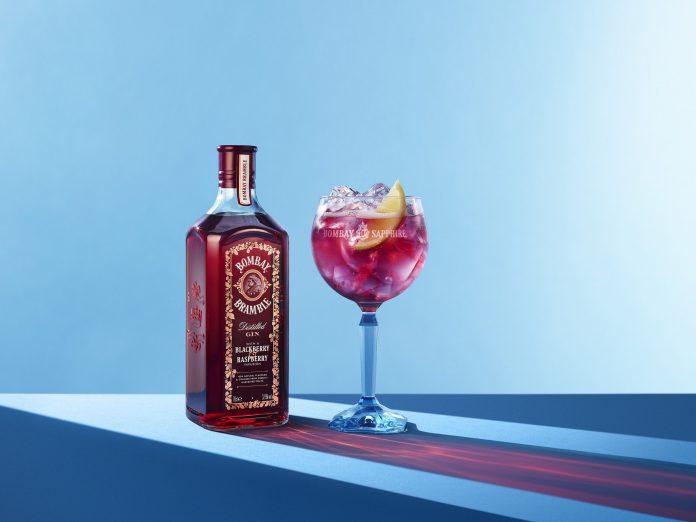 drink com gin - bombay bramble